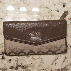 Grey coach long wallet authentic!